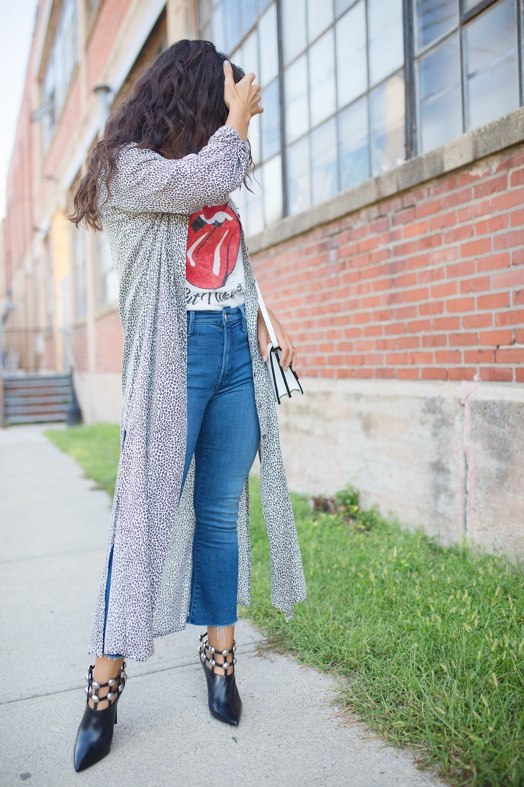 graphic tee and jeans